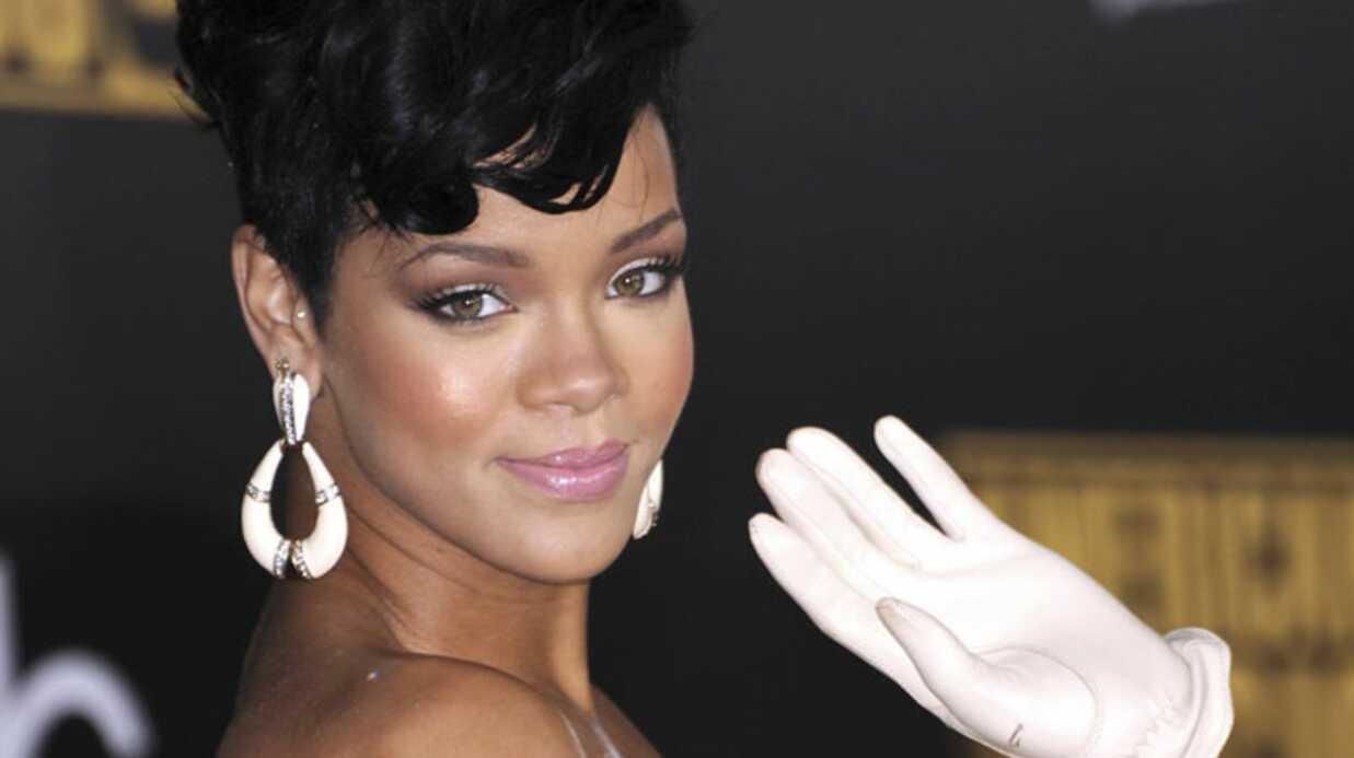 Rihanna dans les bras de son amour de jeunesse?