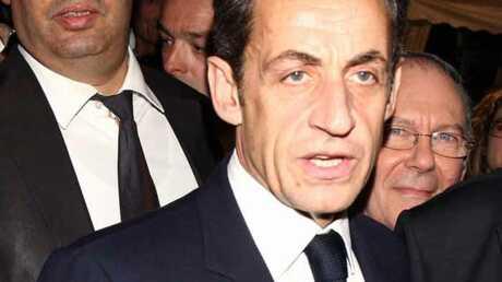 Nicolas Sarkozy menacé de mort par un corbeau