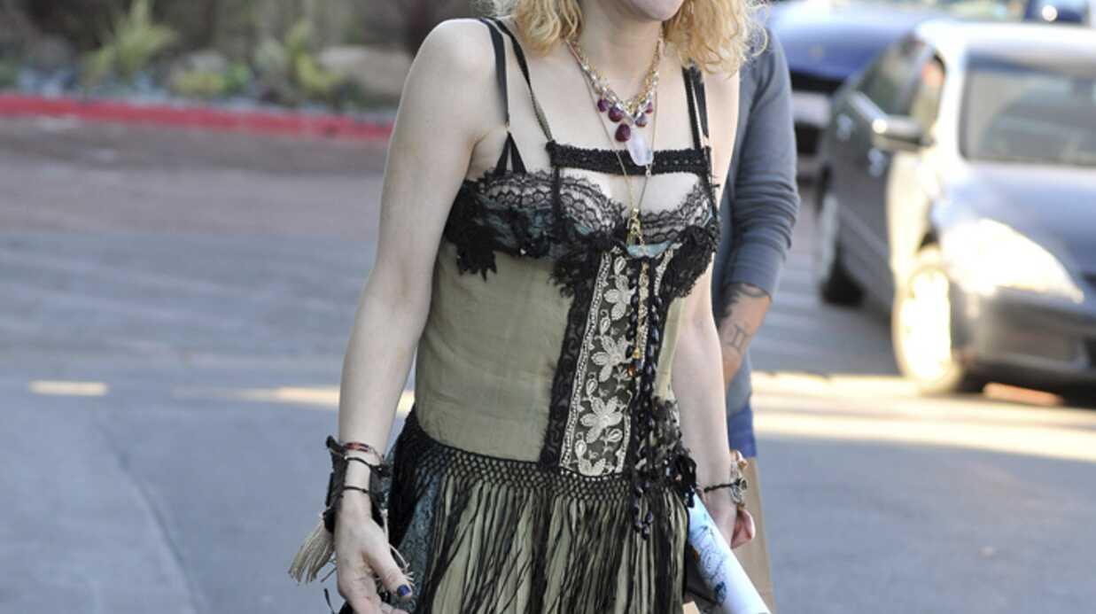LOOK Courtney Love ou le mauvais goût personnifié