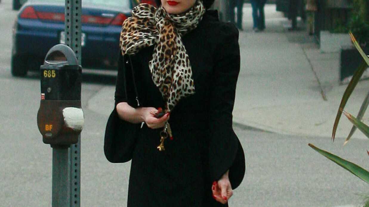 LOOK Dita Von Teese glamour en toutes circonstances