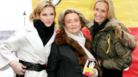 Bernadette Chirac lance l'opération pièces jaunes
