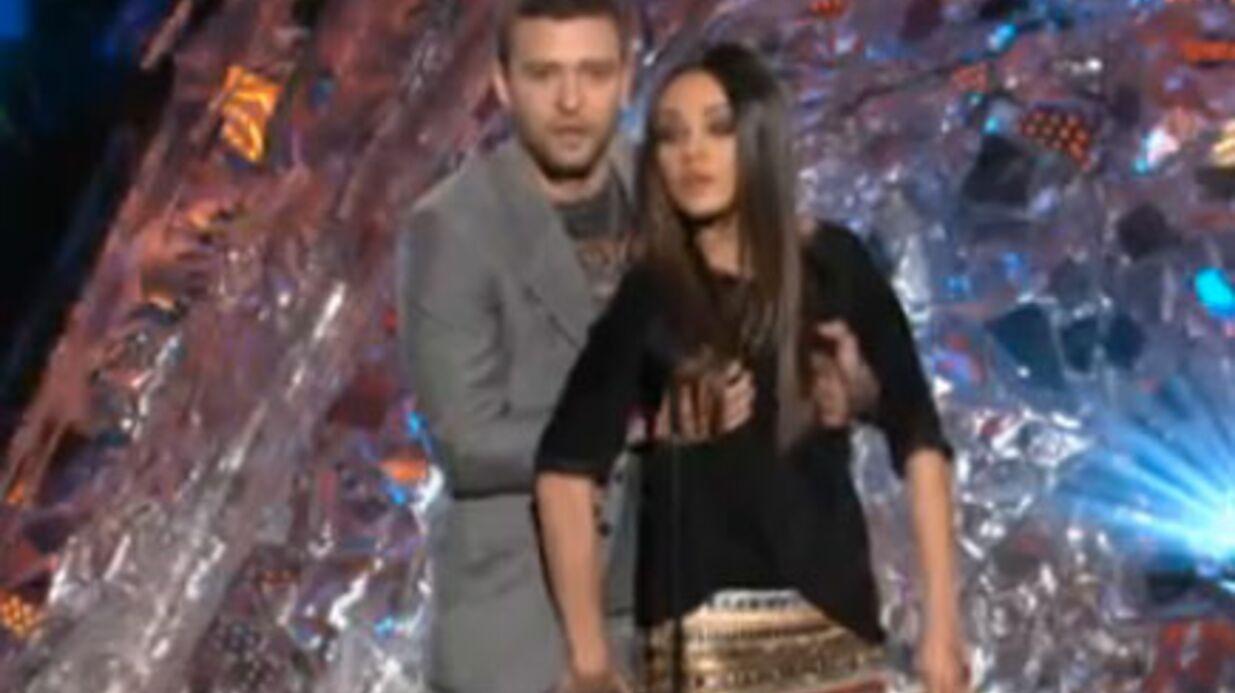 VIDEO Justin Timberlake et Mila Kunis se pelotent aux MTV MA