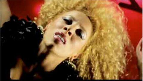 VIDEO Afida Turner: un clip qui fiche la trouille