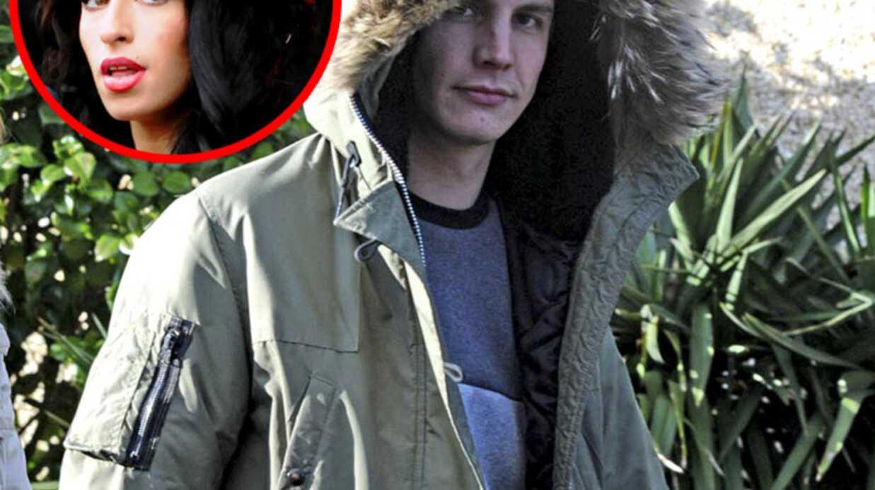 Amy Winehouse: Blake Fielder-Civil habiterait avec une ado