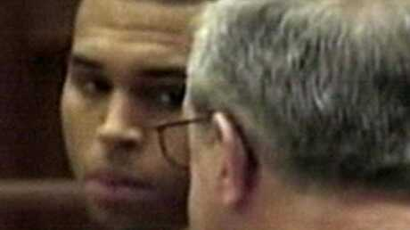 EXCLU Rihanna: Chris Brown fait tout pour éviter la prison