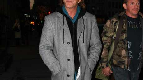 LOOK Mickey Rourke a un style abominable