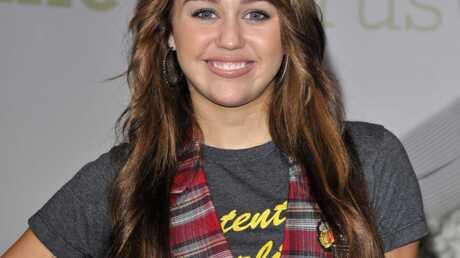 Miley Cyrus: avant de chanter, elle récurait les toilettes