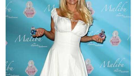 LOOK Pamela Anderson: une lolita toute sage
