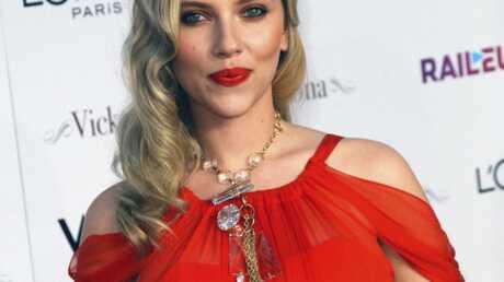Scarlett Johansson dément être l'égérie de Woody Allen