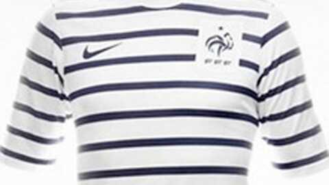 Karl Lagerfeld présente le nouveau maillot de l'équipe de France
