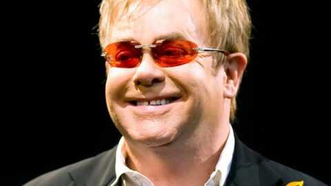 Guéri, Elton John est sorti de l'hôpital