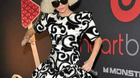 LOOK Lady Gaga: une Anna Wintour excentrique
