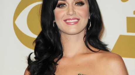 Katy Perry veut prendre le nom de son mari Russell Brand