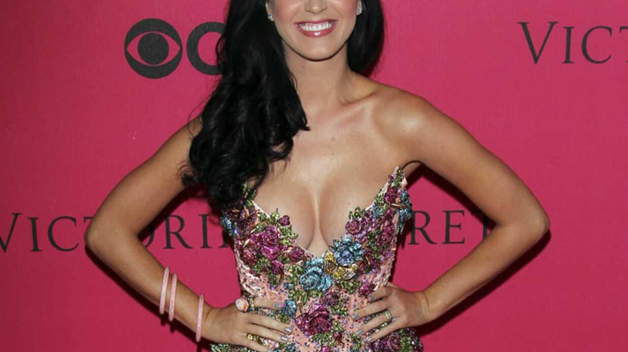 Katy Perry: sa poitrine généreuse la complexait