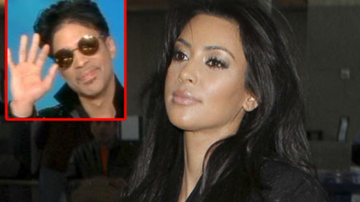 VIDEO Kim Kardashian ridiculisée en public par Prince