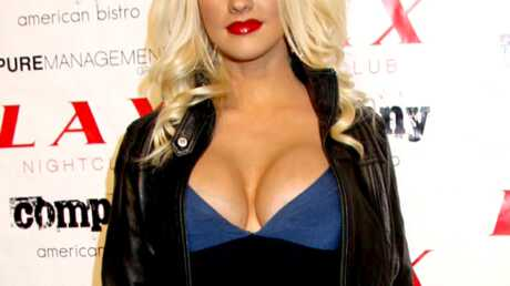 Christina Aguilera prendrait la relève de Kate Moss