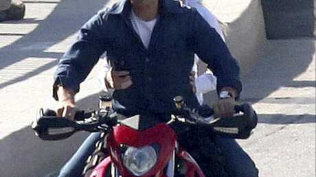 Tom Cruise : un accident de moto ? Faux, selon son entourage