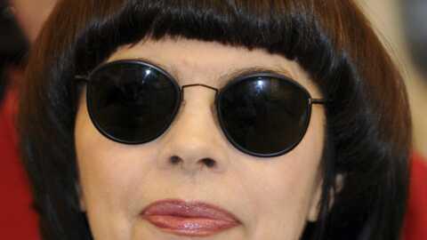 Mireille Mathieu intéresse la justice russe