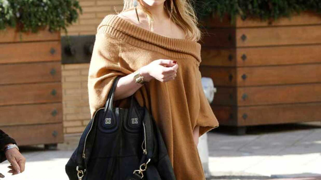 LOOK Hilary Duff adore son pull XXL