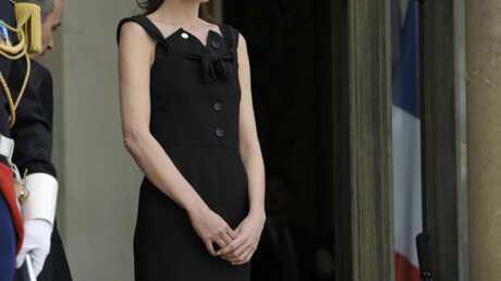 Carla Bruni-Sarkozy mal à l'aise en France?