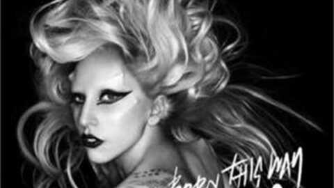 Lady Gaga présente son single en français!