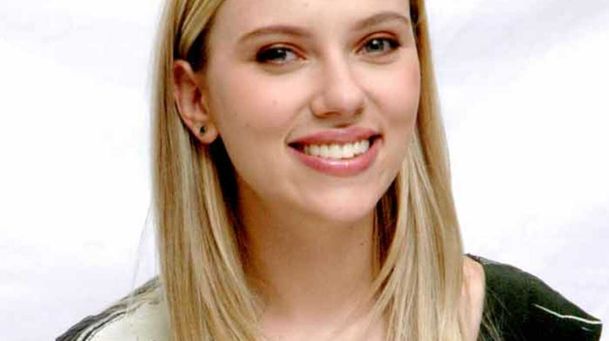Scarlett Johansson n'est pas enceinte, elle mange trop