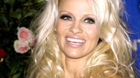 Pamela Anderson a un problème de seins