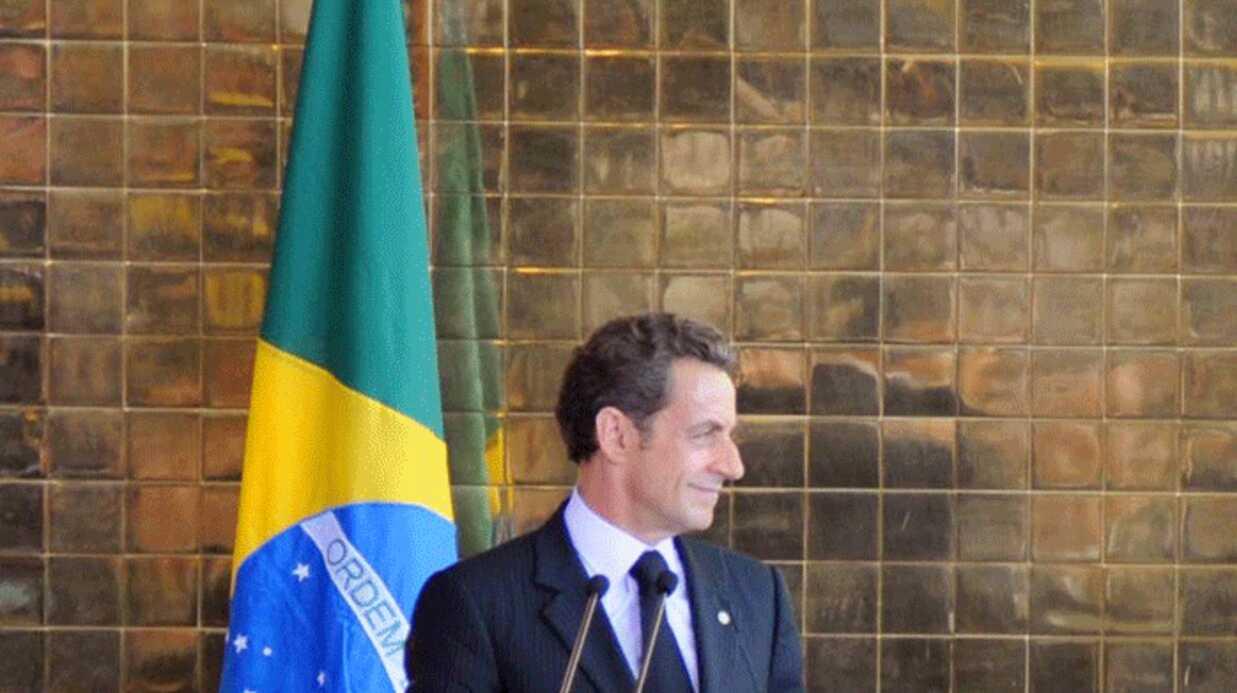 VIDEO Nicolas Sarkozy réclame à un barbecue à Lula