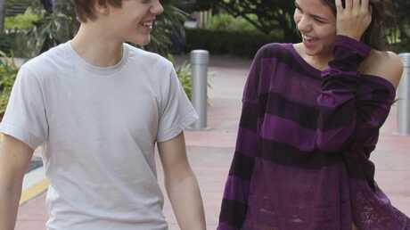 PHOTOS: enfin le bisou entre Justin Bieber et Selena Gomez
