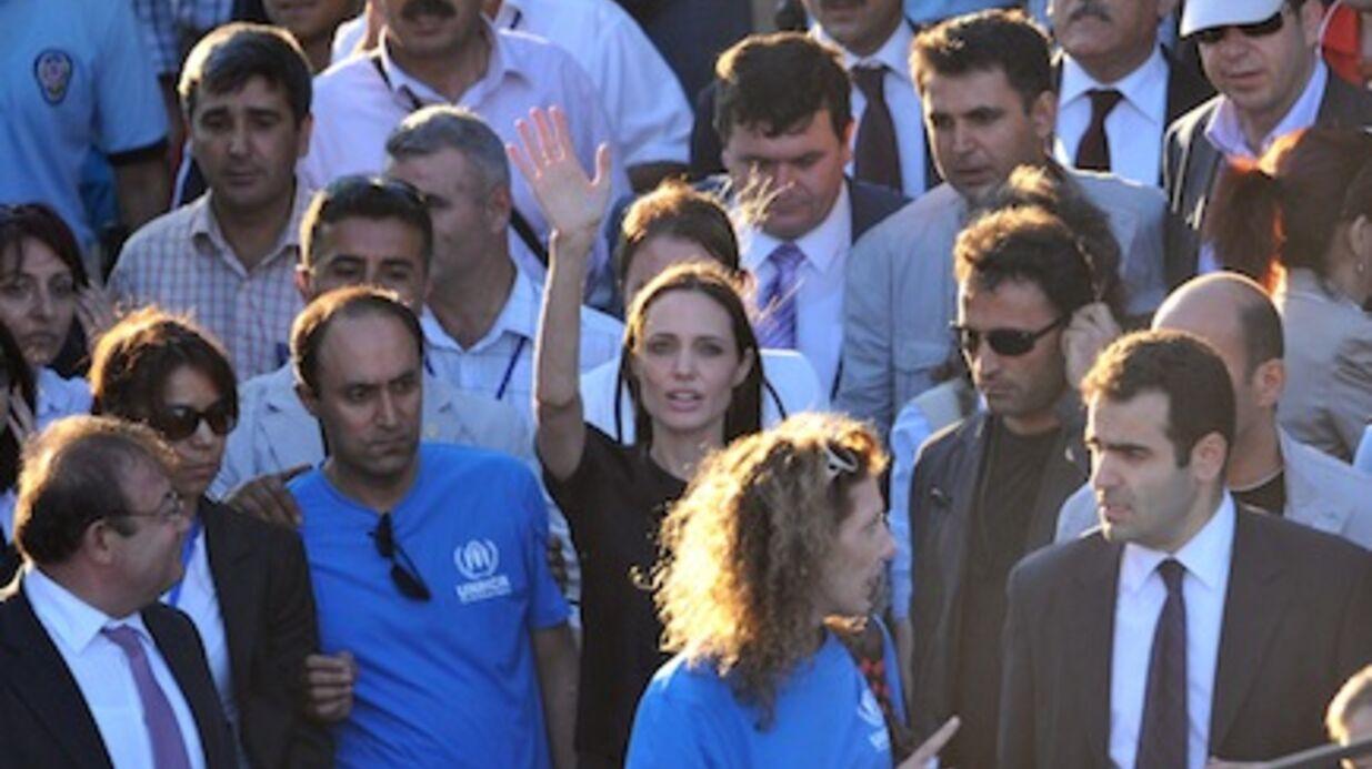 PHOTO Angelina Jolie rencontre les réfugiés syriens