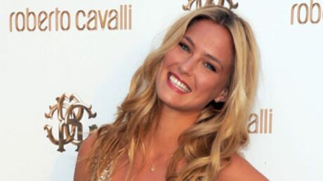 Bar Refaeli, l'ex de Leonardo DiCaprio, s'est cassé le bras
