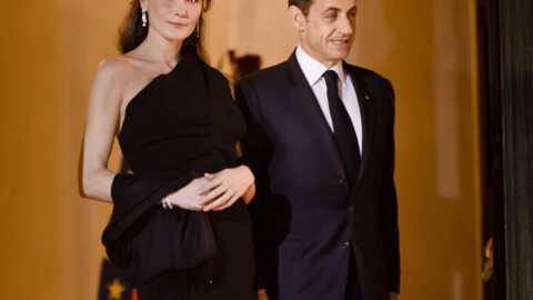 Carla Bruni-Sarkozy attendrait un garçon