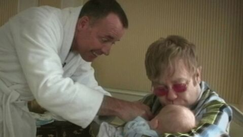 Elton John et David Furnish envisagent d'avoir un deuxième enfant