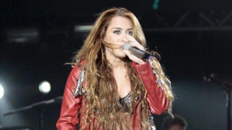 Miley Cyrus: une fan se jette sur elle lors d'un concert à Melbourne