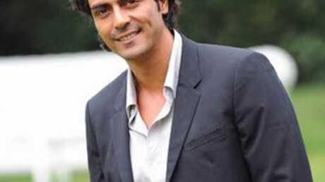 Arjun Rampal est sexy dans la publicité Schweppes