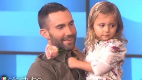 VIDEO Adam Levine rencontre sa plus jeune fan complètement amoureuse de lui