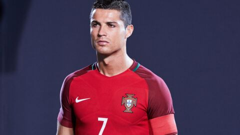 VIDEO Agacé par la question d'un journaliste, Cristiano Ronaldo balance son micro dans un étang
