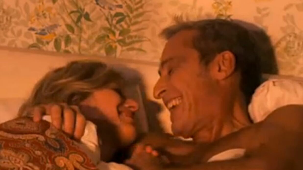 VIDEO Annette (Premiers baisers) au lit avec M. Girard