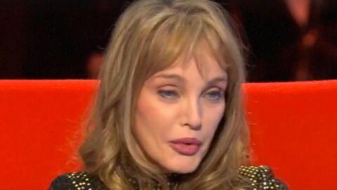 VIDEO Arielle Dombasle se confie sur le premier amour de sa vie de 35 ans son aîné