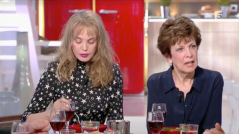 VIDEO Anne-Elisabeth Lemoine fait une bourde face à Catherine Laborde