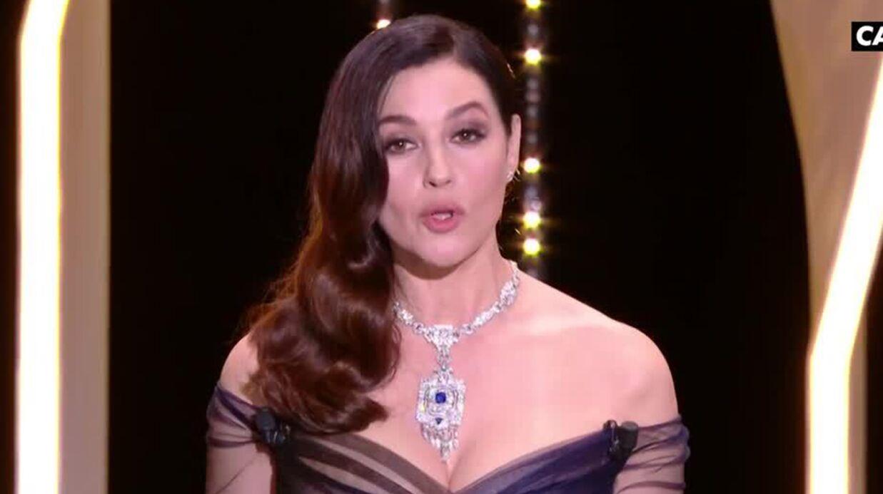 VIDEO Cannes 2017: accident de robe, Monica Bellucci dévoile sa poitrine en pleine cérémonie d'ouverture