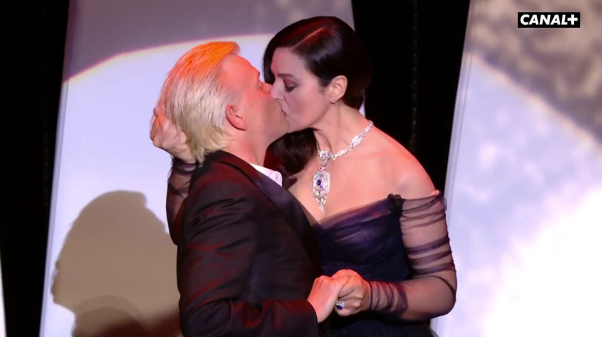 VIDEO Cannes 2017: Monica Bellucci embrasse fougueusement Alex Lutz