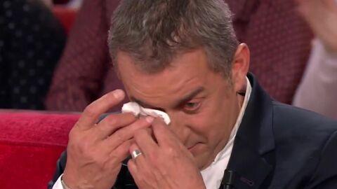 VIDEO Christophe Dechavanne en larmes devant les témoignages d'amour de ses filles Pauline et Ninon