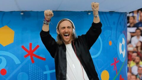 VIDEO David Guetta : la somme HALLUCINANTE qu'il touche pour un tweet promotionnel