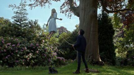 VIDEO Tim Burton: découvrez un extrait exclusif du film Miss Peregrine et les Enfants particuliers