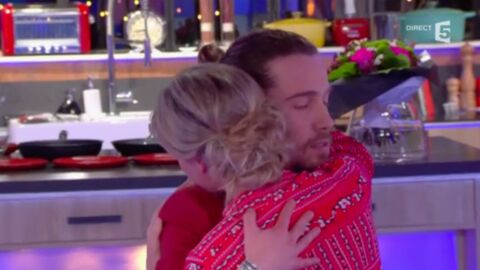VIDEO Julien Doré danse un slow avec Anne-Sophie Lapix pour la consoler