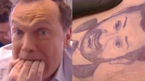 VIDEO Julien Lepers perd un pari et se fait tatouer le visage de Cyril Hanouna sur les fesses