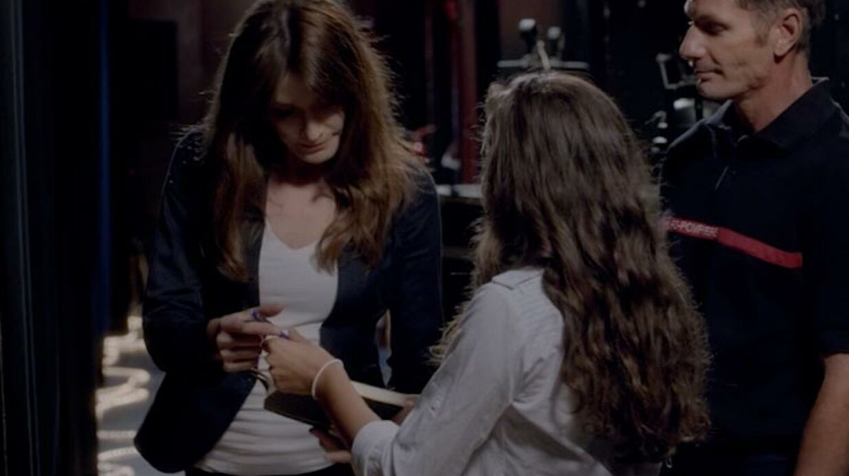 VIDEO L'étrange autographe de Carla Bruni