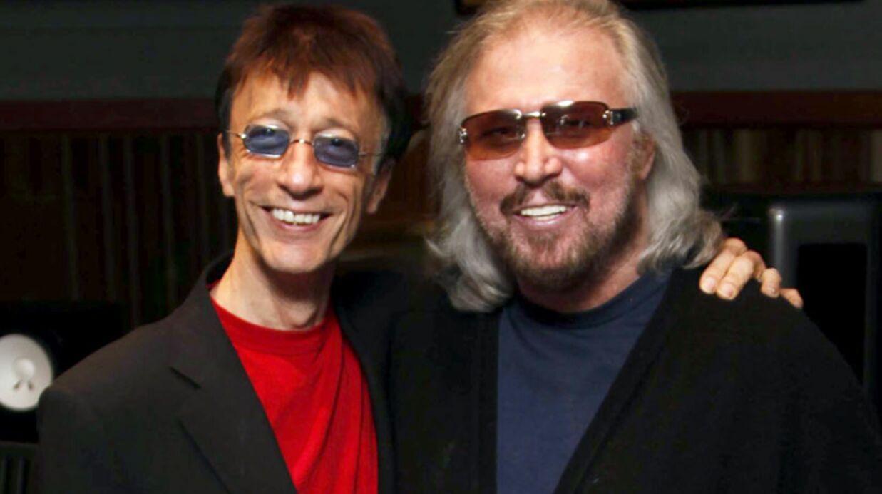 VIDEO Le dernier des Bee Gees rend un émouvant hommage à Robin Gibb