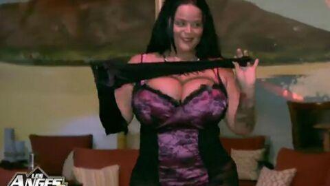 VIDEO Les Anges 8: le show burlesque très sexy de Sarah Fraisou